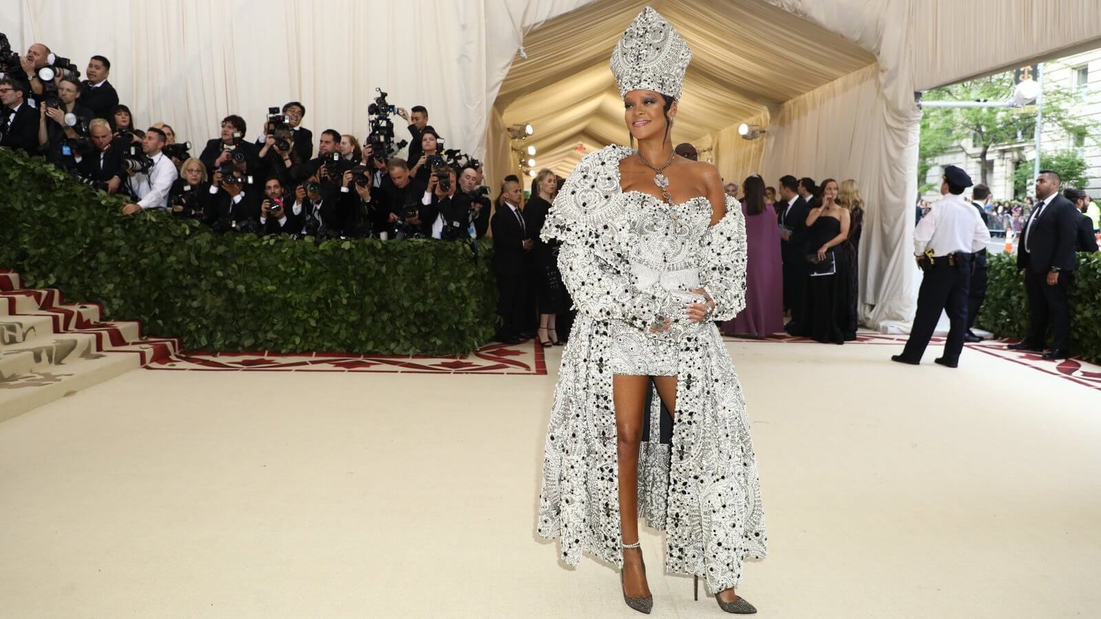 Take me to church: Los 15 looks más impactantes de la Met Gala 2018