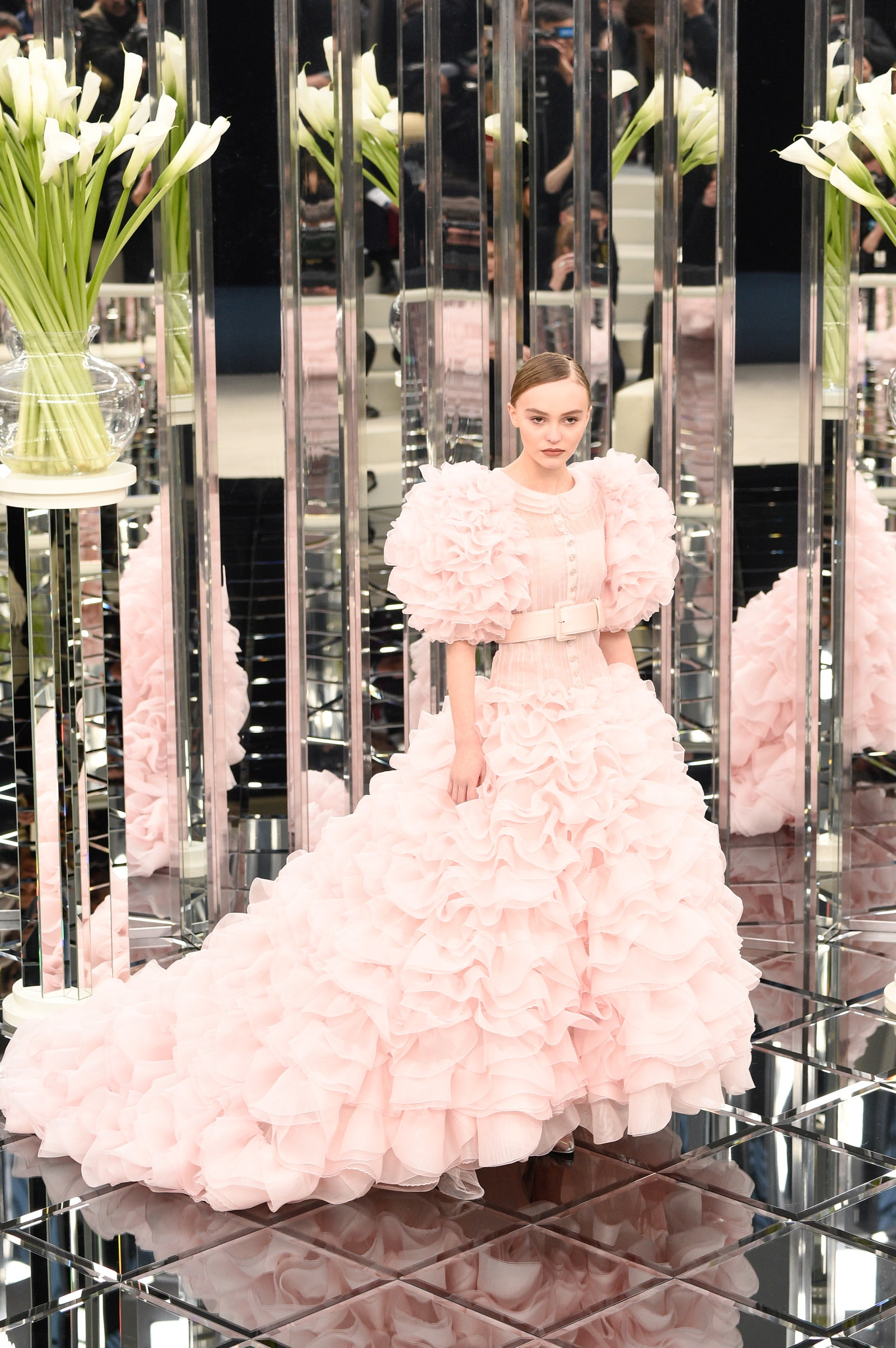 "10 looks de Lily-Rose Depp que la convierten en la ""it girl"" del fashion"